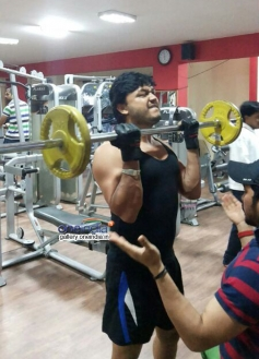 Golden Star Ganesh work out in gym for Dil Rangeela