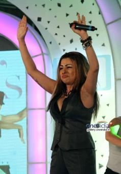 Hard Kaur sings at Lavasa Women's Drive 2014