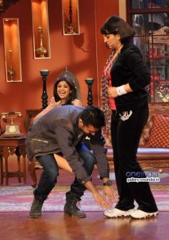 Harman Baweja and Upasana Singh on the sets of Comedy Nights with Kapil