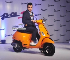 Imran Khan Launched Vespa S Scooter
