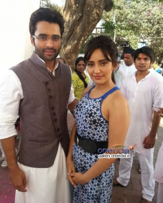Jackky Bhagnani and Neha Sharma promote Youngistaan on the sets of tv serial Nandini