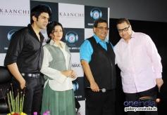 Kaanchi film starcast poses with Ramesh Taurani