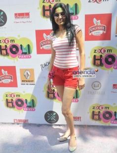 Kamya Punjabi at Zoom Holi Party 2014
