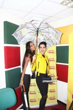 Kangna Ranaut and Lisa Haydon promote Queen at Radio Mirchi Mumbai