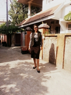 Kaniha on the sets of How Old Are You