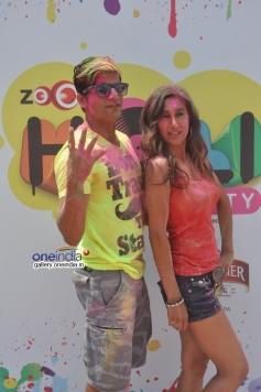 Karanvir Bohra and Teejay Sidhu at Zoom Holi Party 2014