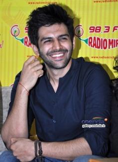 Kartik Aryan at Kaanchi film promotion on Radio Mirchi