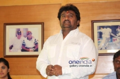 Komal at Karodpathi Movie Press Meet