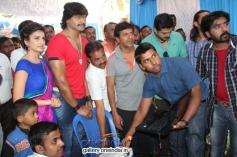Kriti Kharbanda, Vinod Prabhakar, Shivrajkumar, Prashanth at Shivrajkumar's Belli Movie Launch
