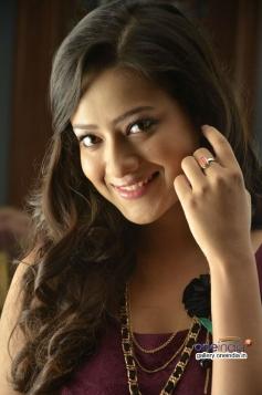 Madalasa Sharma still from Samrat And Co