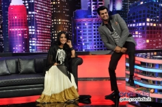 Mahie Gill and Manish Paul on the sets of Mad In India