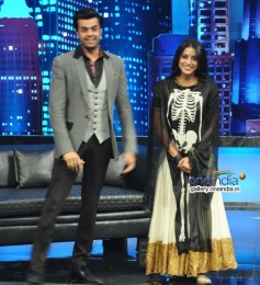 Manish Paul and Mahie Gill on the sets of Mad In India