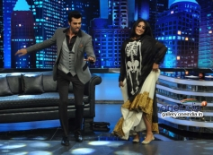 Manish Paul and Mahie Gill performs on the sets of Mad In India