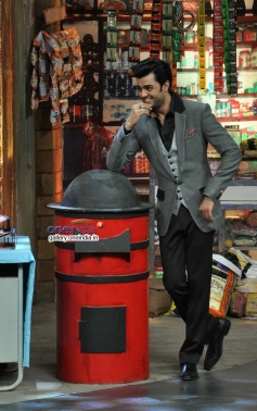 Manish Paul on the sets of Mad In India