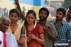 Michael Thangadurai and Nandita still from Nalanum Nandhiniyum