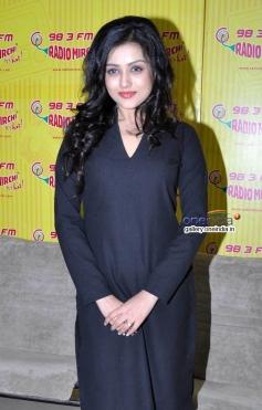Mishti promote film Kaanchi on Radio Mirchi
