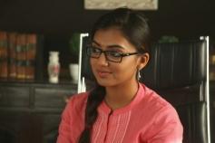 Nazriya Nazim still from Vaayai Moodi Pesavum