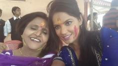 Neetu Chandra celebrates Holi 2014 with her mother