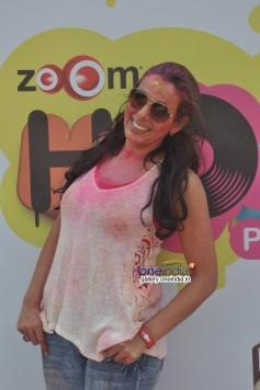 Pooja Bedi at Zoom Holi Party 2014