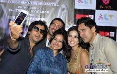Ragini MMS 2 film starcast poses together