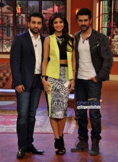 Raj Kundra, Harman Baweja and Shilpa Shetty on the sets of Comedy Nights with Kapil