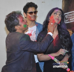 Rajpal Yadav and Mahie Gill celebrates Holi at Mehboob Studio