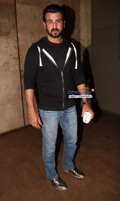 Ronit Roy at Queen film special screening
