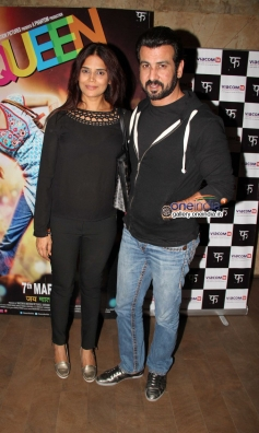 Ronit Roy with wife at Queen film special screening