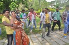 Sadhikkalam Thozha Movie Song Stills