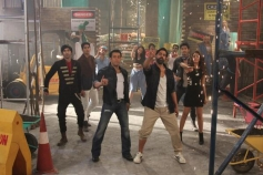 Salman Khan and Akshay Kumar in Fugly film title song