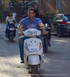 Salman Khan at Fugly film title song shoot