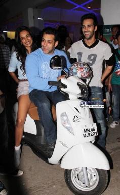 Salman Khan, Sarah Jane Dias and Pulkir Samrat at O Teri film special screening
