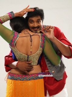 Senthil and Ishara still from Pappali
