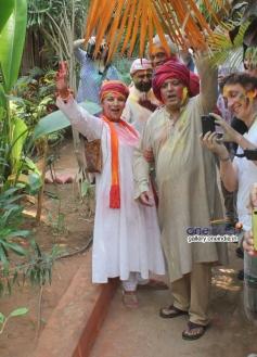 Shabana Azmi and Javed Akhtar celebrates Holi 2014
