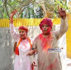 Shabana Azmi and Javed Akhtar's Holi celebration