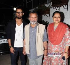 Shahid Kapoor with Pankaj Kapoor and Supriya Pathak at Inam film special screening