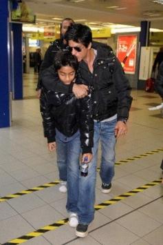 Shahrukh Khan Son Aryan with Amitabh Bachchan Grand Daughter