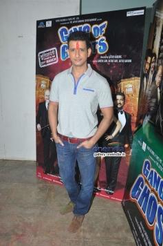 Sharman Joshi celebrates Holi at Mehboob Studio