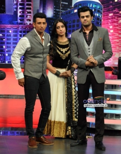 Sharman Joshi and Mahie Gill promote Gang Of Ghosts on the sets of Mad In India