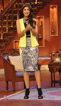 Shilpa Shetty on the sets of Comedy Nights with Kapil