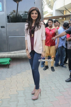 Shilpa Shetty promote Dishkiyaoon on the sets of Boogie Woogie