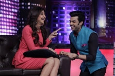 Shilpa Shetty with Manish Paul on Mad In India tv show