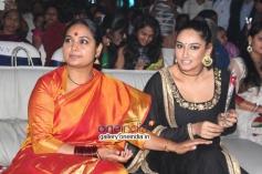 Shruti, Ragini Dwivedi at Chittara Sambrama 2014