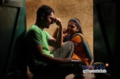 Siddharth and Lakshmi Menon still from Jigarthanda