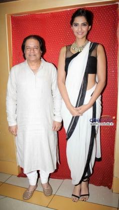 Sonam Kapoor present at the ghazal album Kuch Dil Ne Kaha launch