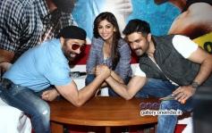 Sunny Deol arm wrestling with Harman Baweja at media interaction of film Dishkiyaoon