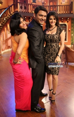 Sunny Leone and Ekta Kapoor with Kapil Sharma on the sets of Comedy Nights With Kapil