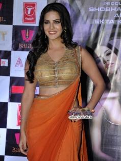Sunny Leone poses at Ragini MMS 2 success bash