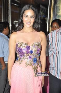 Sunny Leone Promotes Ragini MMS 2 at Geaity Galaxy