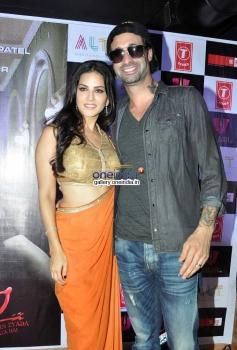 Sunny Leone with husband Daniel Weber at Ragini MMS 2 success bash